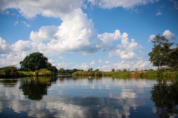 Emslandlandschaft - Fluss im Spiegelbild